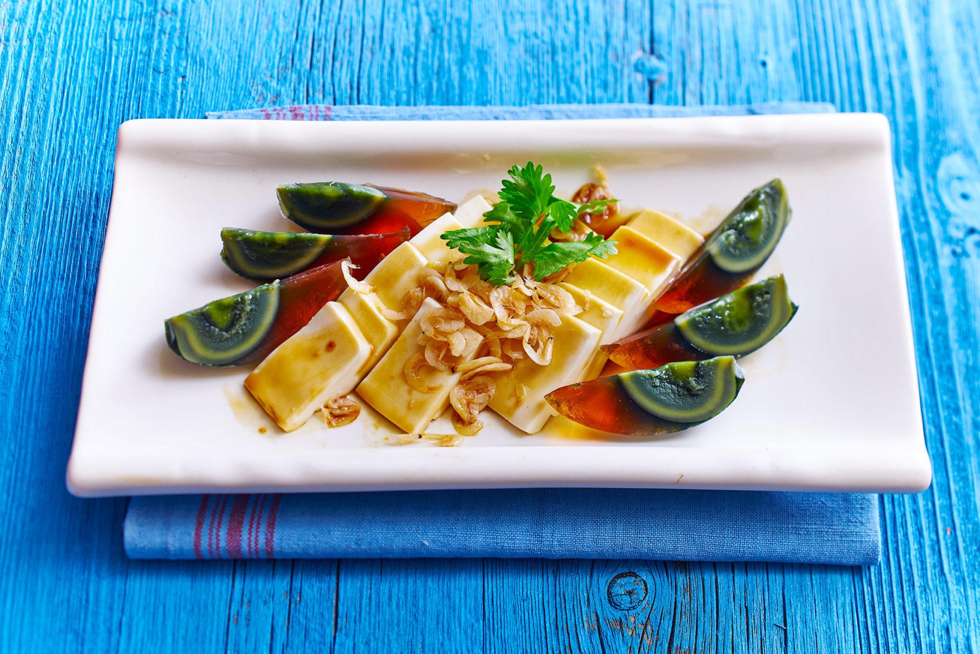 """""""1000 Jahre alte Eier"""" mit Tofu und Sojasauce (vegetarisch)"""