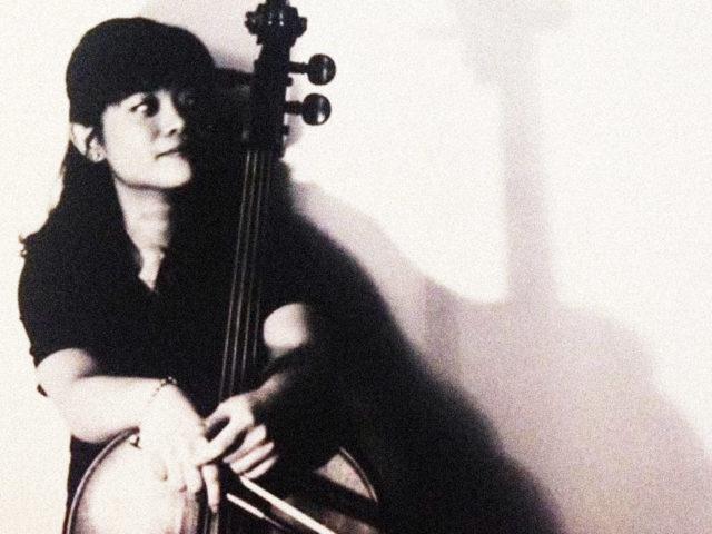 Tseng Hsien-Wen spielt Cello